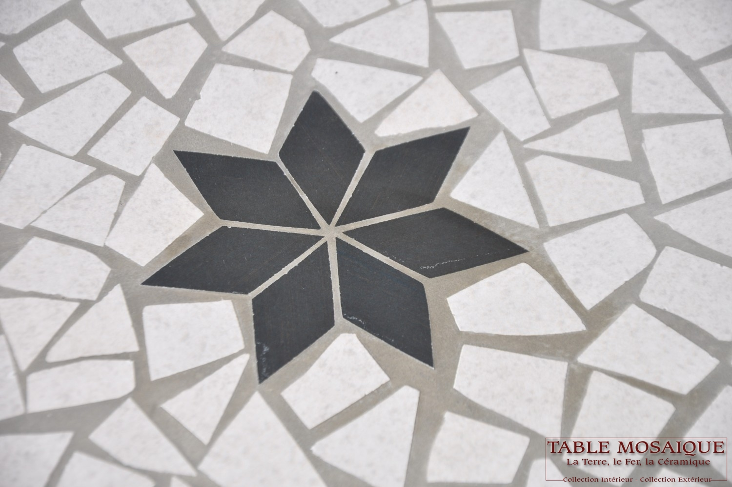 tablemosaique com table ronde 110cm gris et prune jpeg (4)
