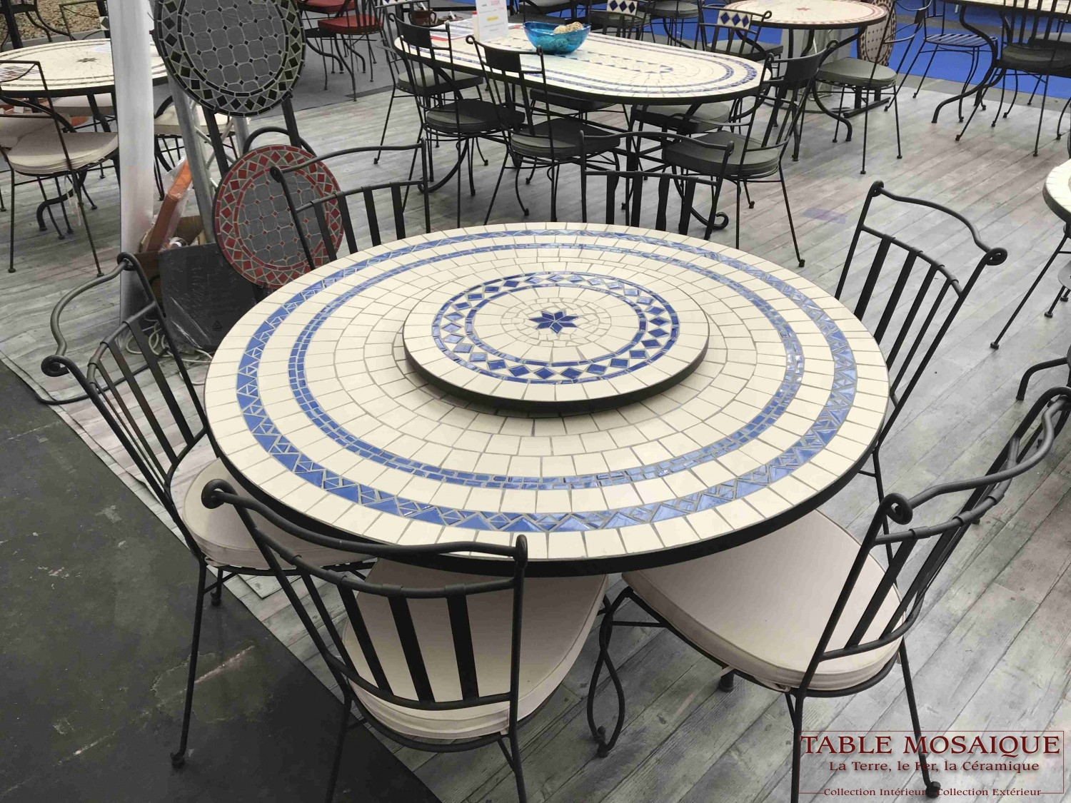 tablemosaique com ronde 130 bleue jpeg